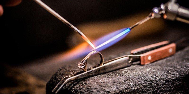 goud en zilver reparaties in eigen atelier goudsmid