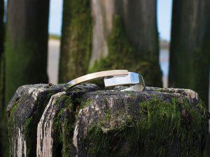 Nol-armband-strak-goud-met-zilver-handgemaakt