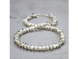 Zilveren collier grillige vorm en zoetwaterparels 19489