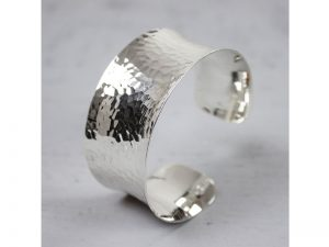 zilveren klem armband gehamerd Jéh Jewels 17976