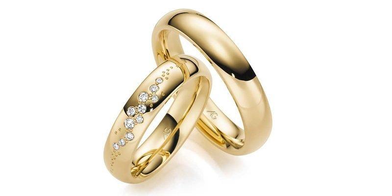 Gouden-trouwringen-met-briljant-kris-kras
