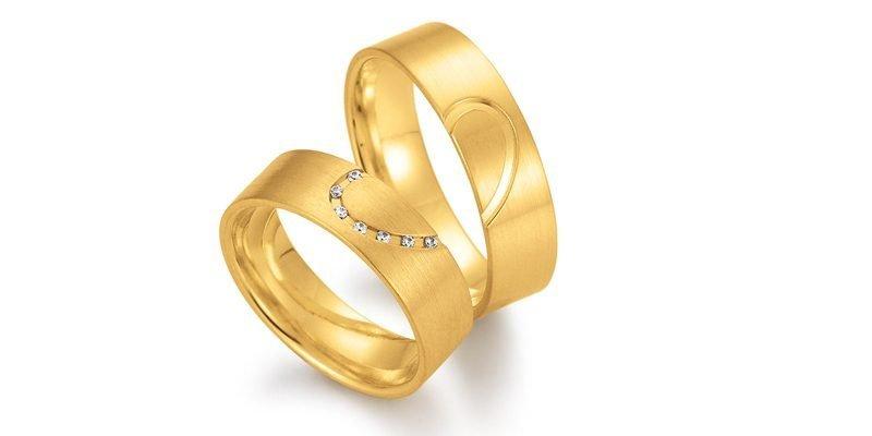 Gouden-trouwringen-met-hart