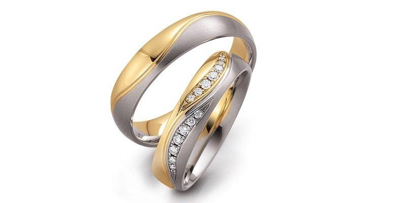 Luxe-trouwringen-in-geel-en-wit-goud