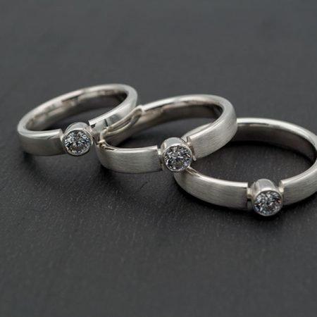 drie zilveren ringen met as handgemaakt
