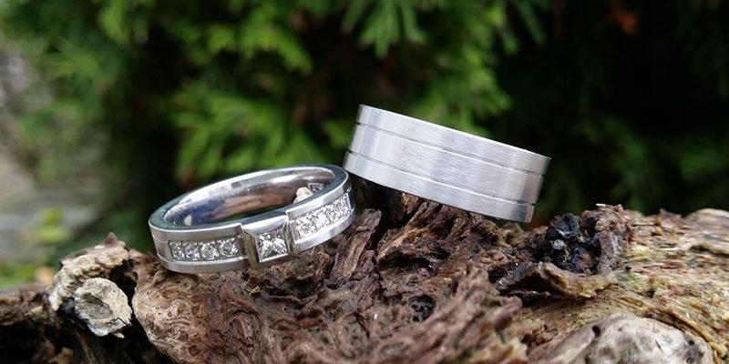 Witgouden-ring-met-grote-middensteen