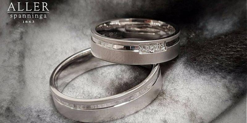 Witgouden-trouwringen-met-princess-diamant