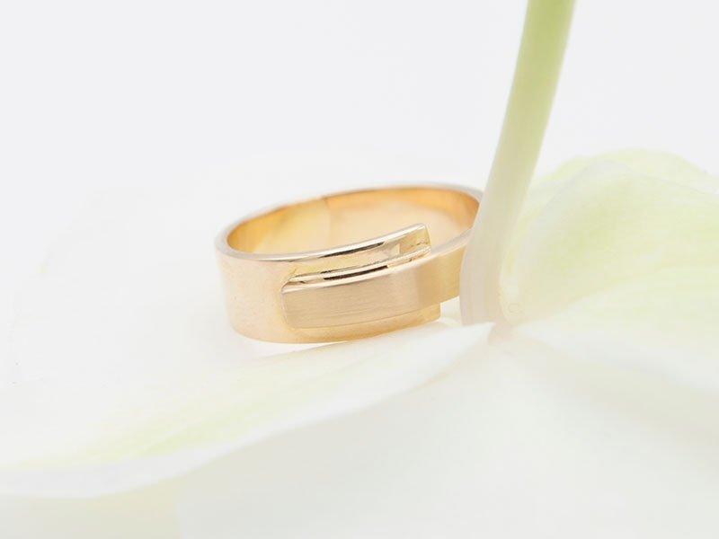 Verlovingsring-zonder-steen
