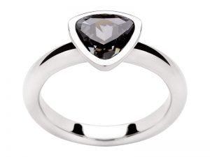 Zilveren-ring-Swarovski-steen-blauw-Yvette-Ries