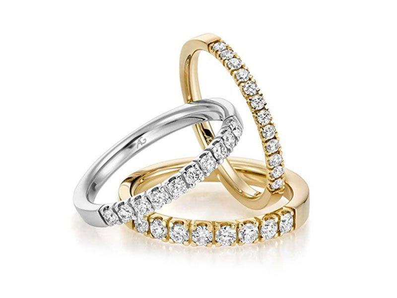 verlovingsring-met-meerdere-diamanten