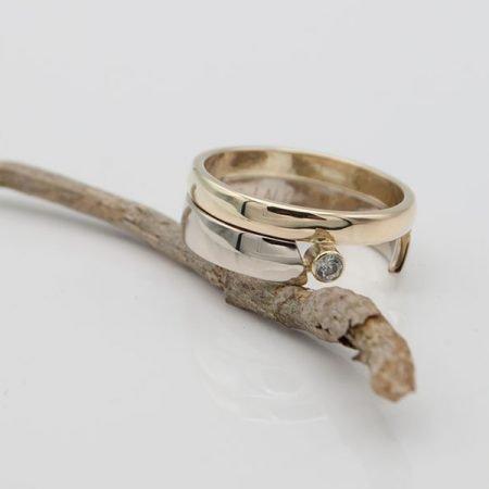nieuwe ring geelgoud en witgoud gemaakt van oude trouwring