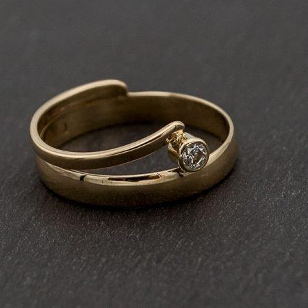van twee gouden trouwringen een nieuwe ring gemaakt