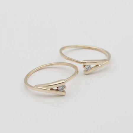 van oorbellen twee ringen gemaakt