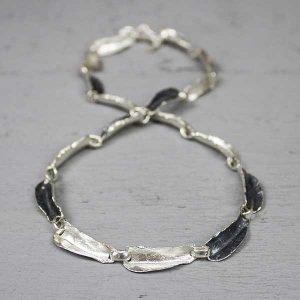 19623-zilveren-collier-grillige-vormen