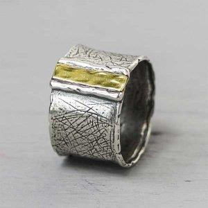 20201-Zilveren-ring-met-9-karaat-goud