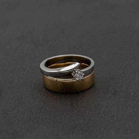 Moderne ring in twee kleuren goud sieraad laten ontwerpen