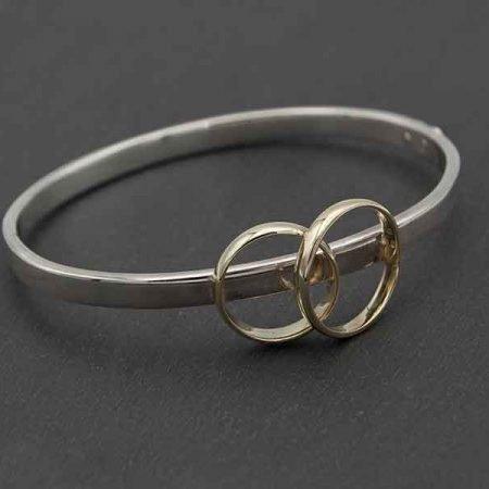 armband-gemaakt-van-2-trouwringen