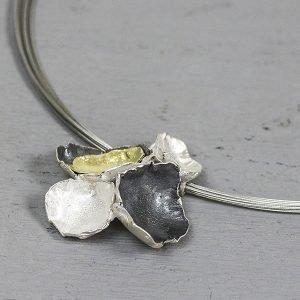 Hanger-bloem-silver-en-zilver-verguld-20042