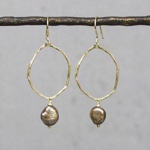 Oorhangers-zilver-verguld-met-bruine-parel-20018