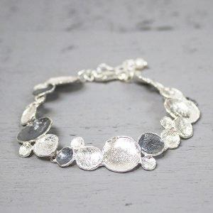 Zilveren-armband-rondjes-licht-en-donker-zilver-18091