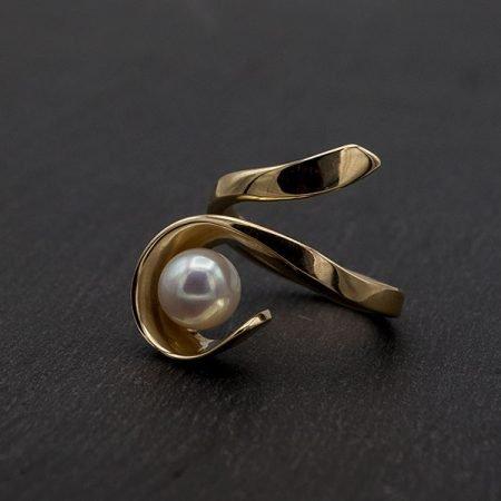 moderne-gouden-ring-met-parel-handgemaakt